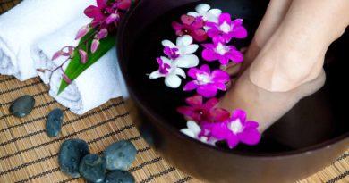 Kąpiel solna – sposób na idealnie gładkie stopy