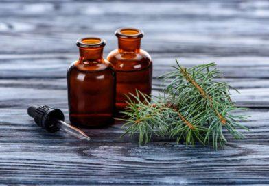 Olejek pichtowy w pielęgnacji stóp – odkaża, goi podrażnienia i odmładza skórę!