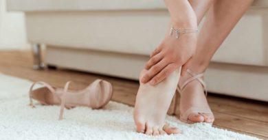 Ostroga piętowa – przyczyny, objawy i leczenie choroby